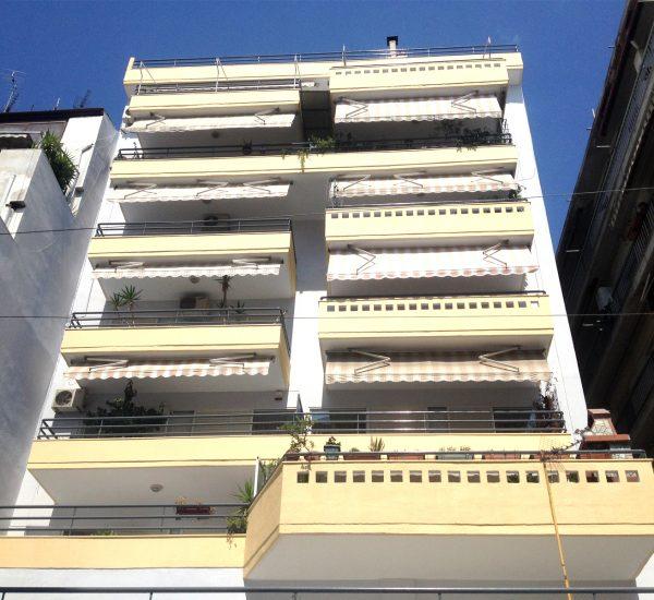 Ανακαίνιση όψεων οκταώροφης οικοδομής