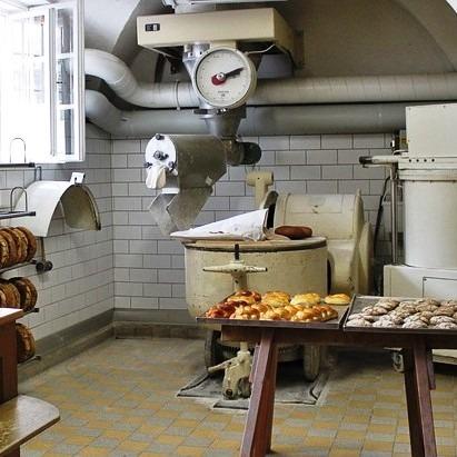 Εργαστήριο αρτοποιίας με πρατήριο άρτου 180 τ.μ.